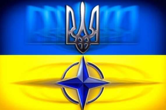 Порошенко объявил о входе Украины в НАТО
