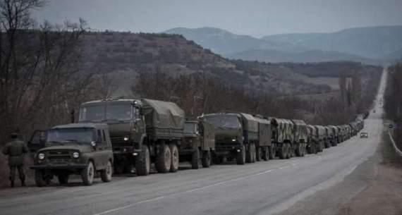 Вулицями Сімферополя пройшла колона військової техніки