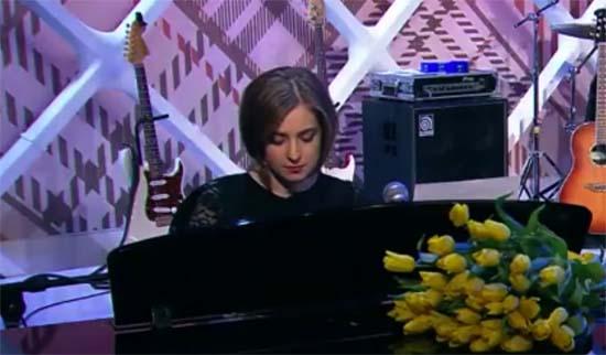 Воровскую жизнь она вела: Поклонская спела «Мурку» на шоу «Прожекторперисилтон» (видео)