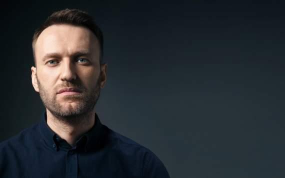 """Задержание Навального: толпа скандирует """"фашисты"""""""