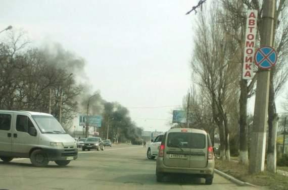 В Макеевке в результате ДТП горят автомобили боевиков