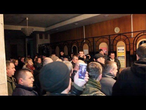 Волинську Облдержадміністрацію захопили через затримання «блокадників» окупованого Донбасу (ВИДЕО)