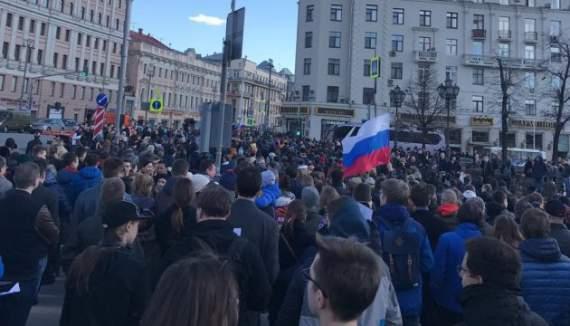 Тревожные сигналы Кремлю от молодежи