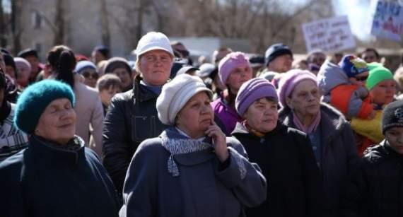 Блогер: доки будуть голосувати ті, кому за 65 – Україна не вибереться з «совка»