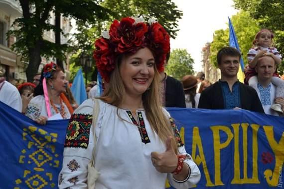 Мега марш вишиванок в Україні