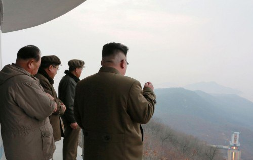 Пхеньян плюет, Кремль утирается: ракета КНДР над головами жителей Владивостока