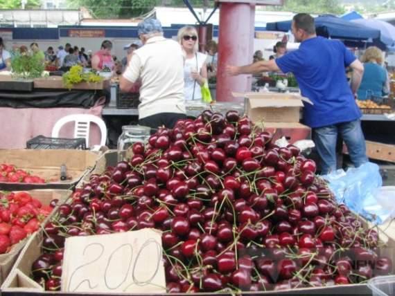 Цены на центральном рынке в Феодосии