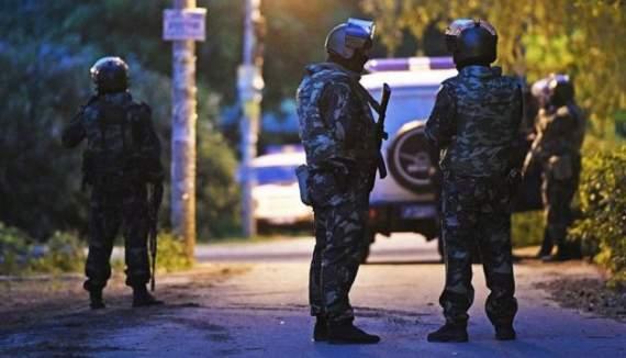 Стрельба под Москвой: неизвестный часами бросал гранаты в полицаев, ликвидировав 4 россиян