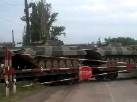 Архив: российская техника в Миллерово (Ростовская область). 29 июня 2014 (видео)