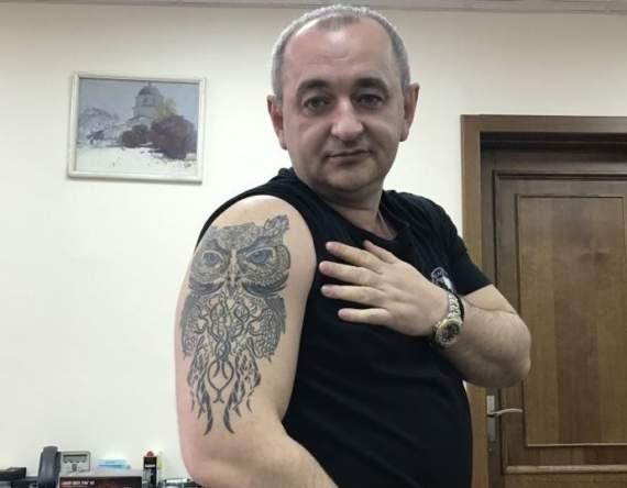 """Матиос объяснил, почему жена называет его """"пледиком"""" и зачем он сделал себе тату совы"""