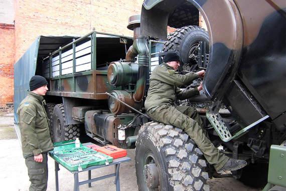 Президентські «Богдани» програли невідомим вантажівкам тендер аваківської Нацгвардії на 23 мільйони