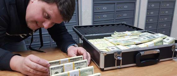 Мы возим деньги за воду в Украину в чемоданах, нас сопровождает СБУ, – «ЛНР»