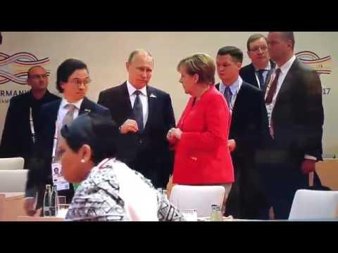 «Как же ты достал»: сеть взорвала реакция Меркель на рассказы Путина. Видео