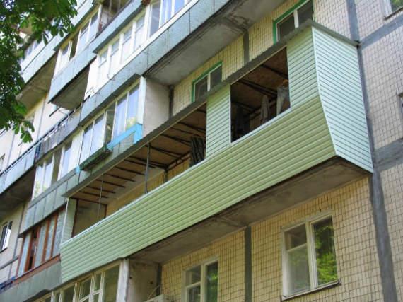 Как выбрать подрядчика, чтобы ремонт балкона под ключ закончился вовремя