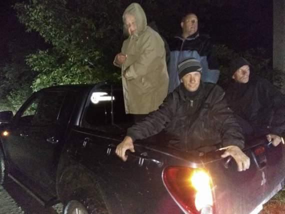 Сотні українців кинулися на допомогу тим, хто проживає в районі Калинівки: вивозять, надають нічліг, привозять їжу (фото)