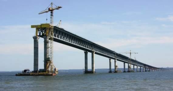 Не простоит там долго: Российский ученый рассказал, почему строительство Керченского моста обречено на провал