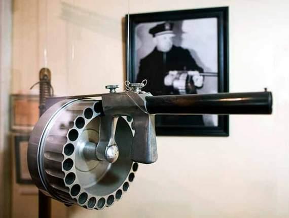 Manville Gun: Многозарядное ружье-гранатомет
