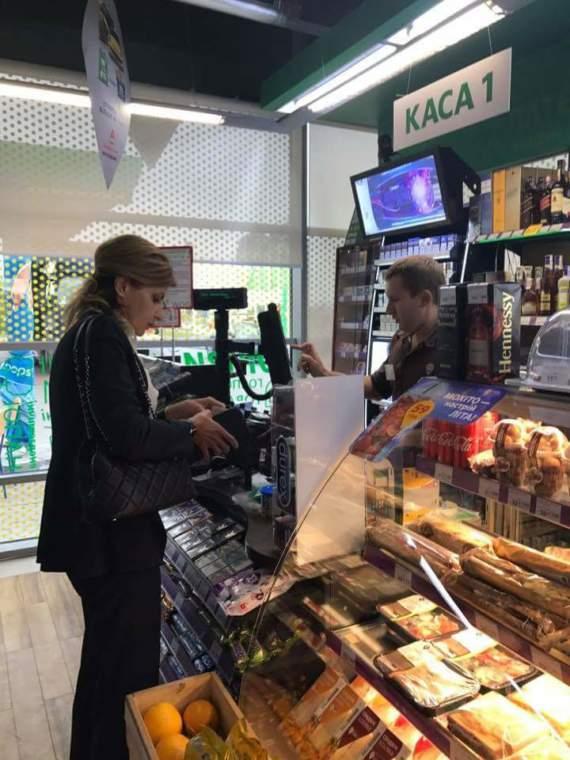 Вслед за Порошенко без охраны по магазинам пошла Марина. У порохоботов – оргазм /Фото/
