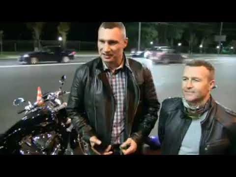 """""""I'll be back"""" – Виталий Кличко позабавил сеть ночной инспекцией Киева на мотоцикле (видео)"""