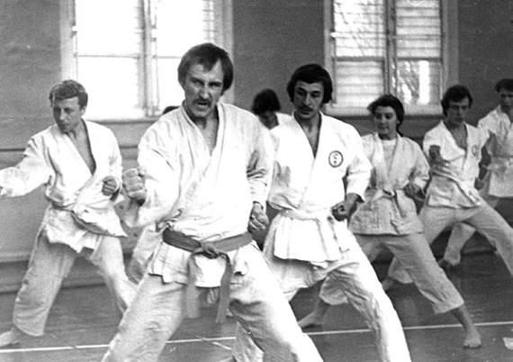 Почему в СССР в 1981 году запретили каратэ