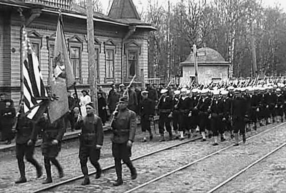 Почему Запад не стал воевать против большевиков в 1918 году?