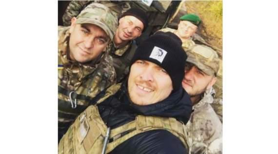 Усик проведал украинских военных на передовой: опубликовано фото
