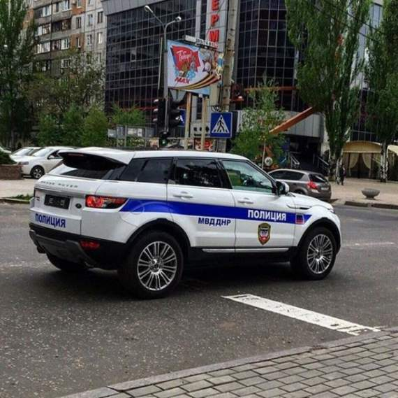 «ДНР – НЕ МОНАКО!» –  сеть взорвали фотографии иномарок полиции «ДНР».