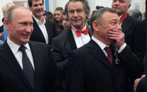 """Под каток американских санкций могут попасть 50 тыс. представителей российской """"элиты"""""""