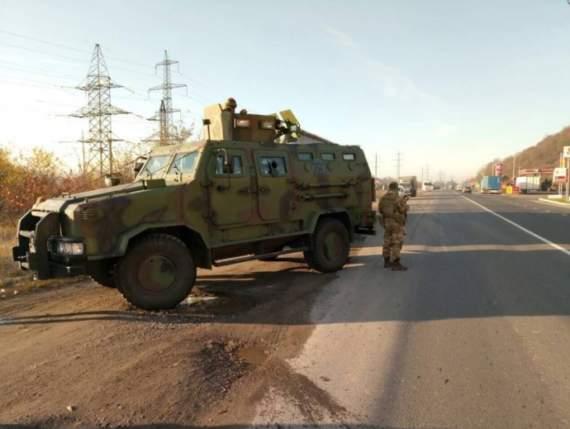 Масштабная спецоперация (с броневиками и вертолетами) против контрабанды на Закарпатье (видео)