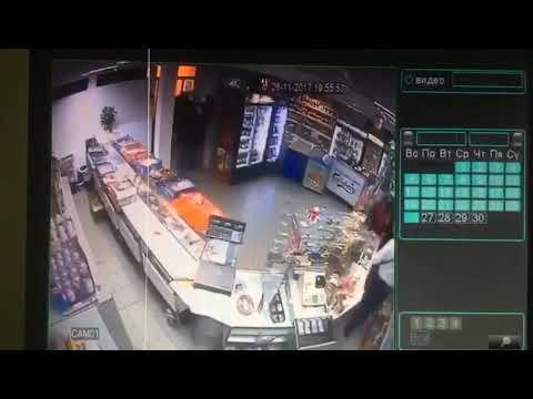 Сын нардепа-радикала совершил вооруженное ограбление магазина в Киеве /Видео/