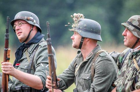 В десятку! Телеканал Москва–24 изобразил вывод русских оккупантов с Донбасса в форме гитлеровцев