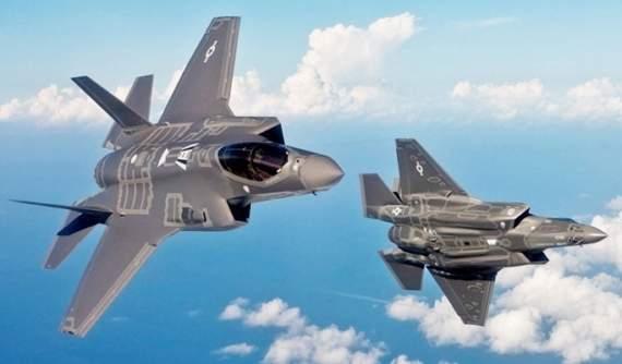 Винищувачі США відкрили вогонь в бік російських літаків