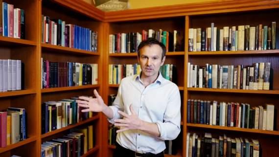 Гриценко утверждает, что Вакарчук отказался от похода за булавой и поддержит «первого непроходного»