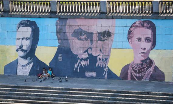 «Русский мир» в Украине отступает, но есть серьезные угрозы, — журналист