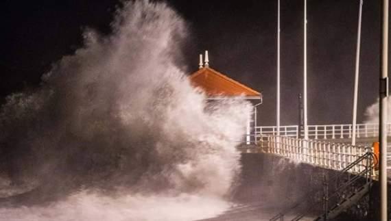 Шторм в Западной Европе: скорость ветра – 200 км/ч