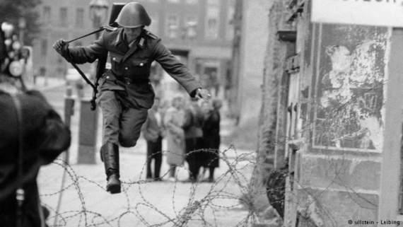 10 самых невероятных побегов из ГДР