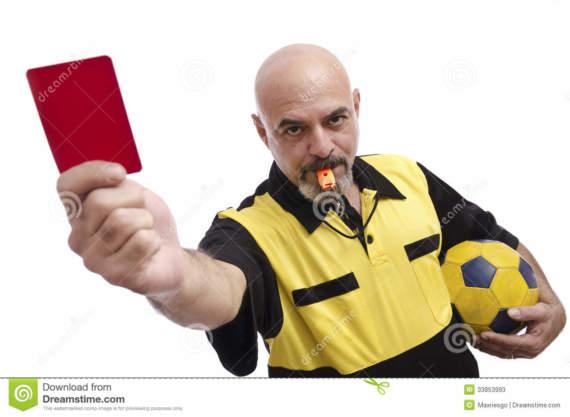 Спортсмен убил рефери за  карточку