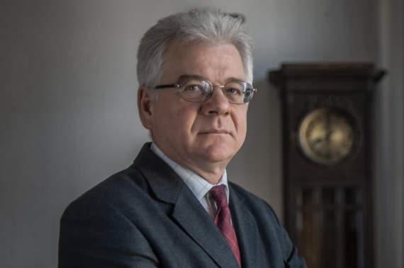 В МИД Польши уволят всех выпускников российских вузов. Гарний приклад!