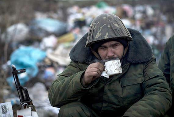 «Ополченцы» массово голодают – меняют боеприпасы на еду и алкоголь