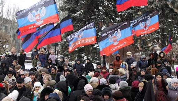 Количество митингующих на границе с РФ растет!!