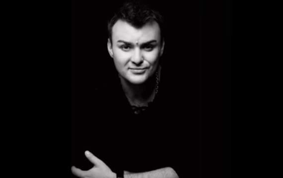 Російського співака знайшли вбитим у власній ванній — ЗМІ