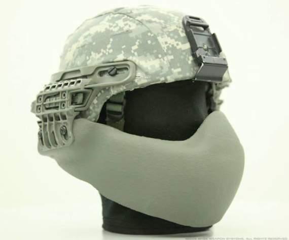 Полиэтиленовая маска выдержала пущенную в упор пулю АКМ