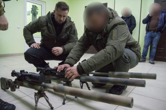 Андрій Білецький передав полку АЗОВ надсучасні гвинтівки українського виробництва