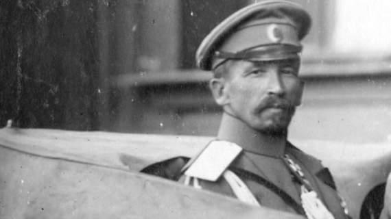 Корнилов и другие: посмертные злоключения замечательных людей