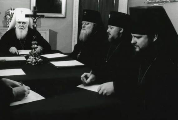 Хто винен в ситуації навколо православних церков в Україні?