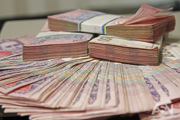 Порт, молокозаводи і елеватори: у що вкладають гроші багатії в Україні