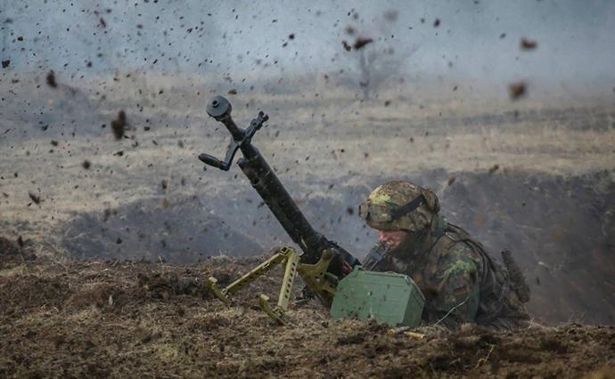 Боец ВСУ в одиночку отбил атаку диверсантов