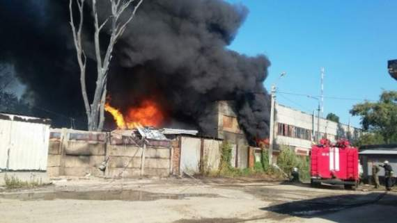Под Донецком горят склады.