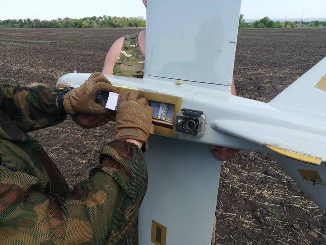 Фонд «Сестры Победы» сбросил листовки на оккупированную территорию Донбасса. ФОТО