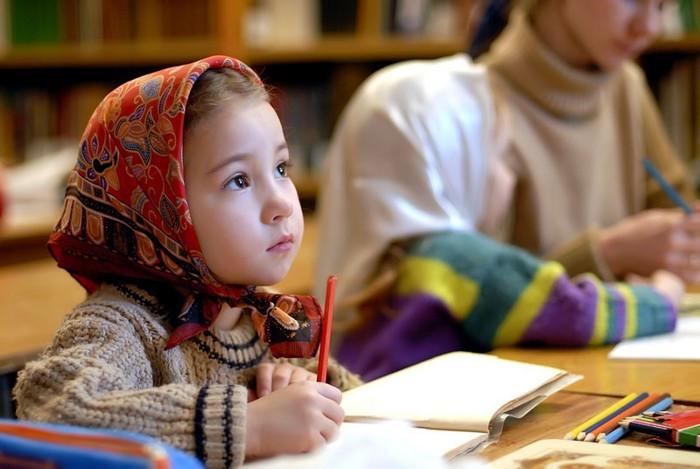 РПЦ головного мозга: в РФ предлагают сделать церковно-славянский язык обязательным школьным предметом